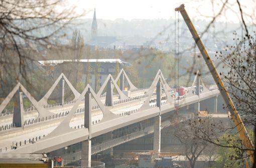 Ein neuer Weg über dem Neckar ist freigegeben