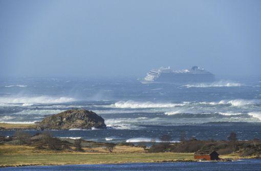 Kreuzfahrtschiff mit 1300 Passagieren wird nach Hilferuf evakuiert