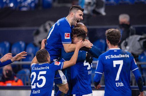 Der FC Schalke 04 schießt sich Frust furios von der Seele