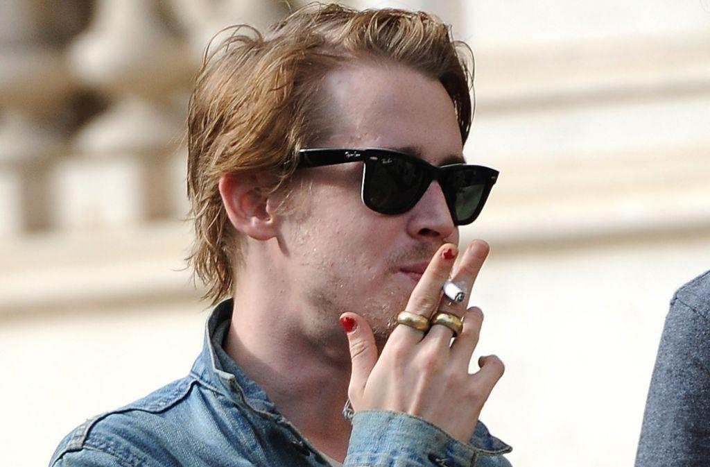 So verwegen hat man den Schauspieler Macaulay Culkin in den vergangenen Jahren häufig gesehen: der 35-jährige, ehemalige Kinderstar pflegt sein schlampiges Image. Foto: AP