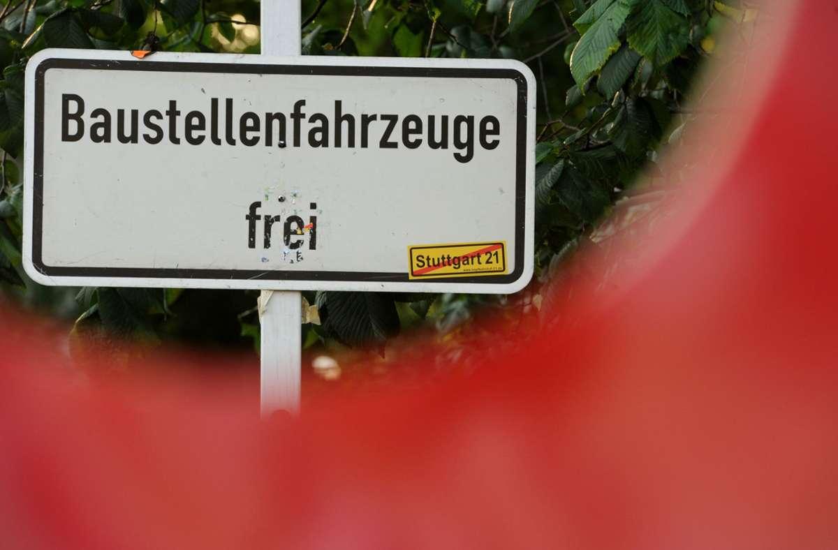 Die Täter verschafften sich  über den Bauzaun Zutritt zur Baustelle in Stuttgart-Ost. (Symbolbild) Foto: dpa/Marijan Murat