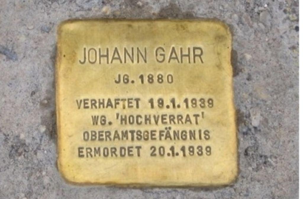 Der Stolperstein vor dem Marstall. Foto: www.stolpersteine-gp.de