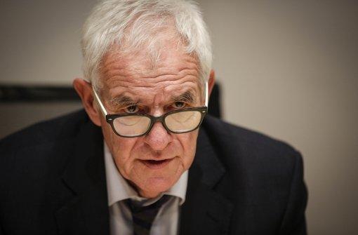Justizminister Rainer Stickelberger (SPD) betont die Wichtigkeit der Begleiter. Foto: Lichtgut/Leif Piechowski