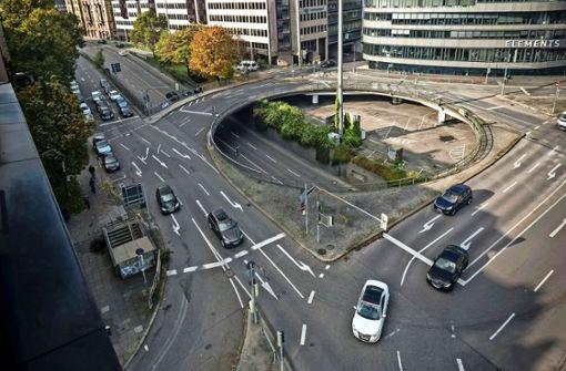 Neuer Fahrradweg an Tübinger Straße wird wieder abgerissen