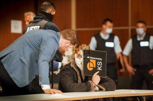Zwei Angeklagte legen Geständnis ab