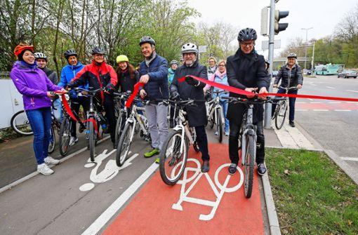 Nach  jahrelangem  Streit: Radweg eingeweiht