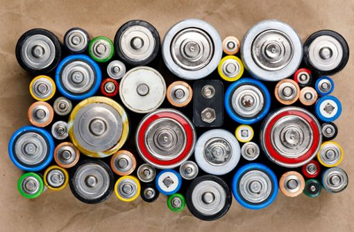 Hier erfahren Sie die wichtigsten Regeln, wie Sie Batterien richtig aufbewahren und was Sie bei der Lagerung beachten sollten.