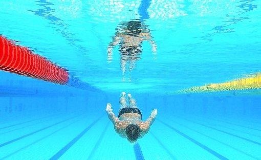 9. April: Bub rettet Schwimmer wohl das Leben