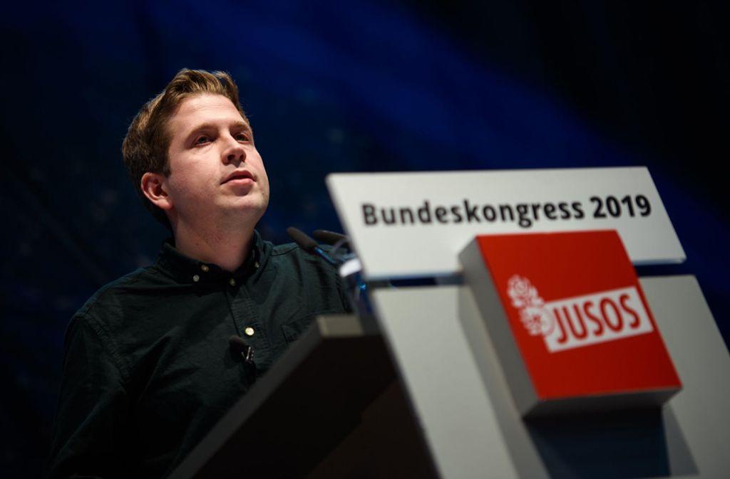 Kevin Kühnert wurde  mit 88,6 Prozent der Stimmen im Amt des Juso-Vorsitzenden bestätigt. Foto: dpa/Gregor Fischer
