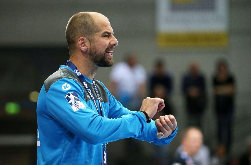 Trainer Jürgen Schweikardt steht vor schweren Wochen.Patrick Zieker ist die erhoffte Verstärkung für den TVB. Foto: Baumann