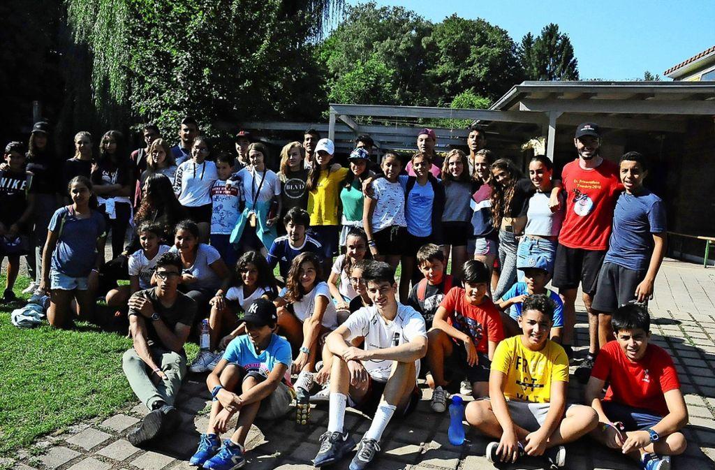 Kinder im Alter zwischen  elf und 15 Jahren aus Deutschland, Italien und Spanien, Ägypten und Tunesien waren eine Woche zusammen im Waldheim. Foto: Georg Linsenmann