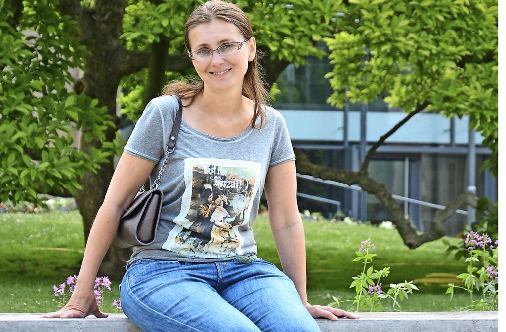 Die 32-jährige Swetlana Schäfer hat sich von der Diagnose MS nicht unterkriegen lassen. Beruflich will sie voll durchstarten. Foto: Janey Schumacher