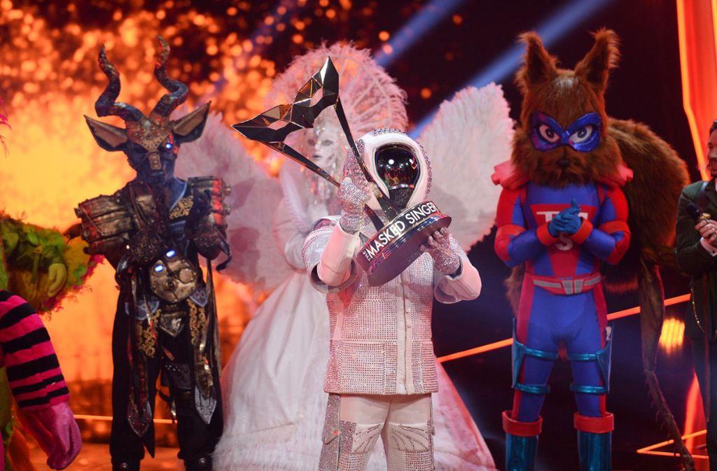 """Sänger Max Mutzke gewinnt als Astronaut """"The Masked Singer 2019"""". Foto: ProSieben/Julia Feldhagen"""