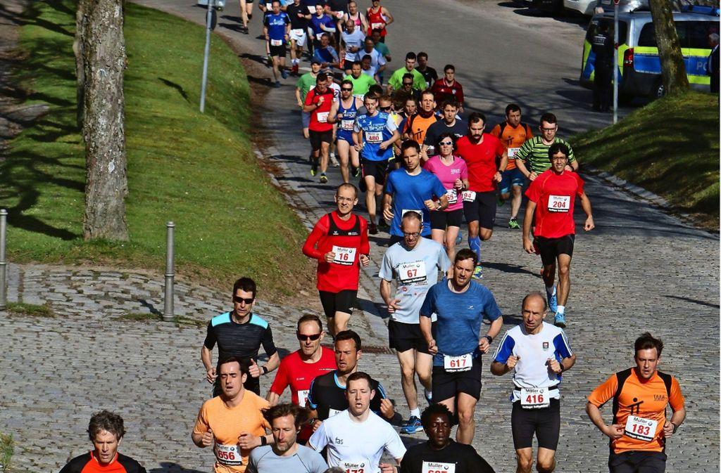 Dichtes Feld: Im Vorjahr kommen 616 Läufer   in die Wertung über zehn Kilometer. Foto: Gorr