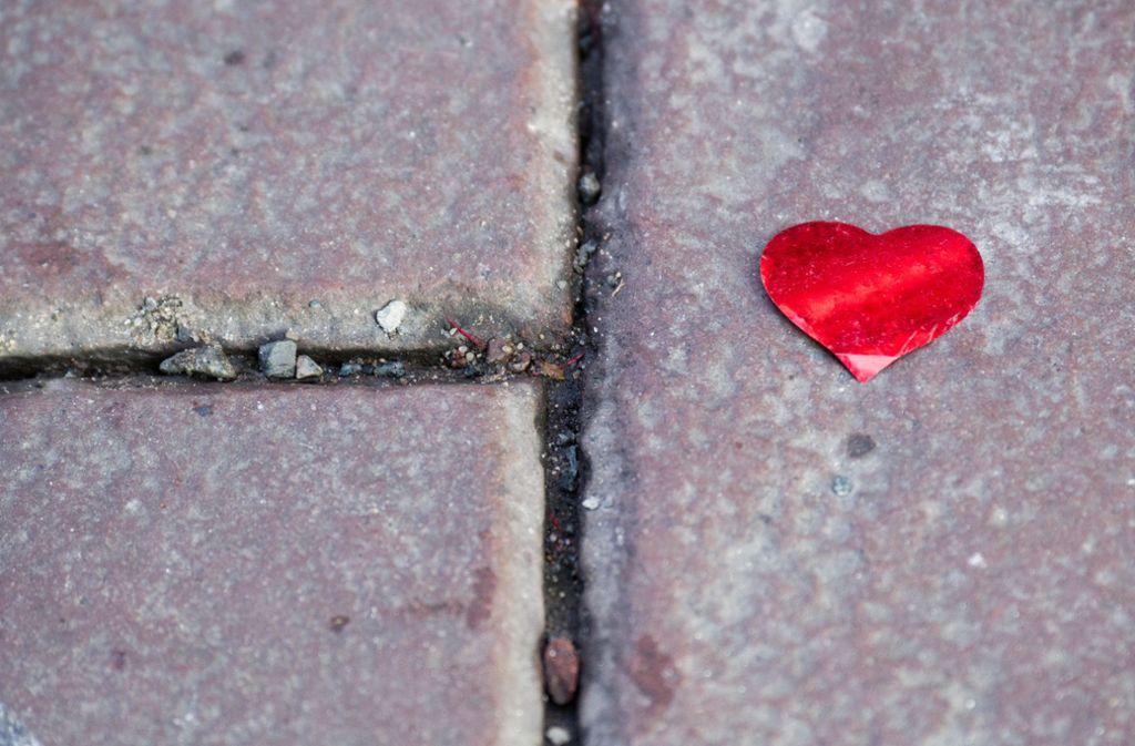 Was noch schwer verliebt beginnt, wird für viele Paare im Laufe der Zeit zu einem Problem. Foto: dpa
