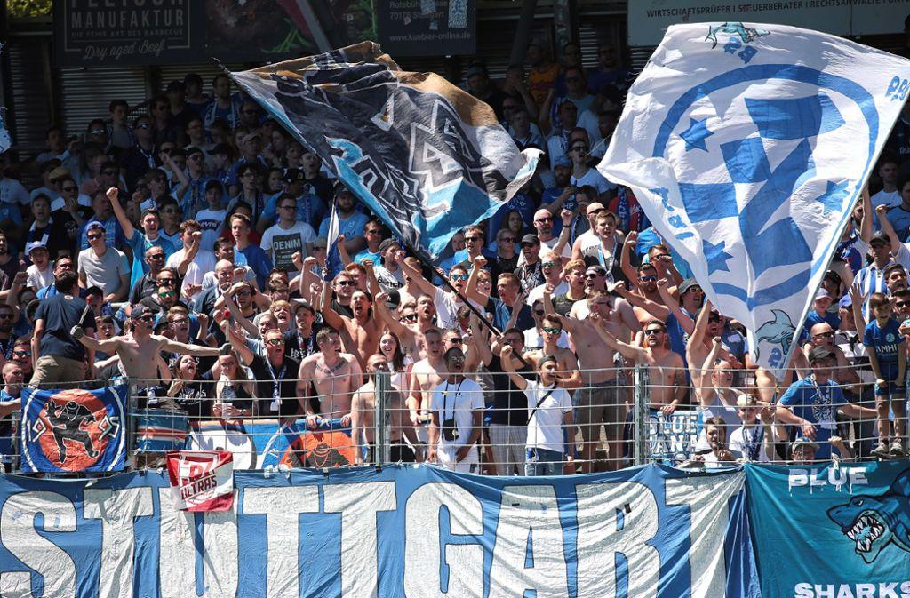 Haben die Kickers-Fans am Mittwoch Grund zum Jubeln? Foto: Pressefoto Baumann
