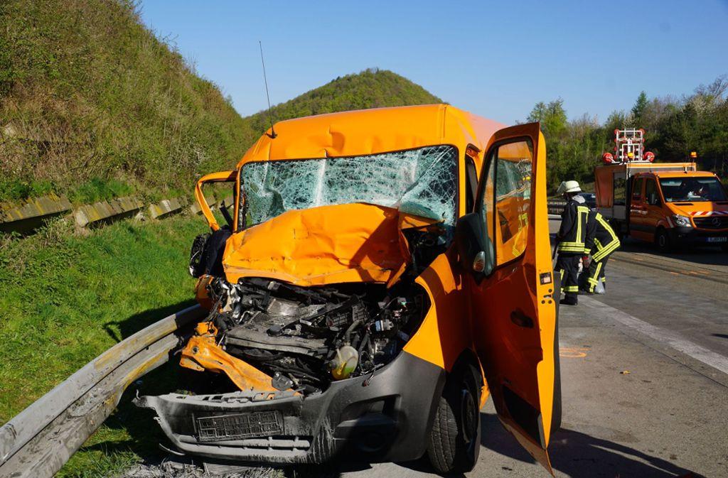 Auf der A8 Richtung München kam es zu einem schweren Unfall. Foto: SDMG/Woelfl