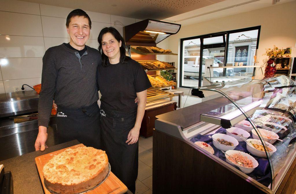 Auch Monica und Steffen Weiler setzen auf den Standort Lange Straße. In ihrem neuen Lokal Stixenhof servieren sie Hausmannskost sowie Kuchen und Brot aus der eigenen Backstube. Foto: Ines Rudel