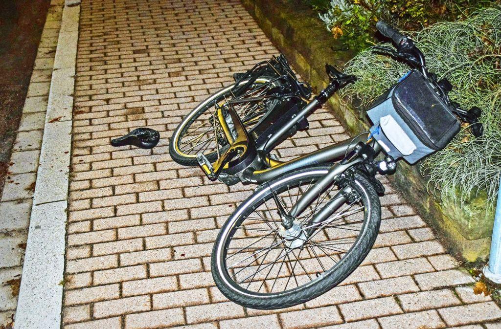 Wohl dem, der nach einem Sturz vom Rad einen kundigen Helfer  findet. Herbert Kunz hatte dieses Glück im Unglück. Foto: 7aktuell/Archiv