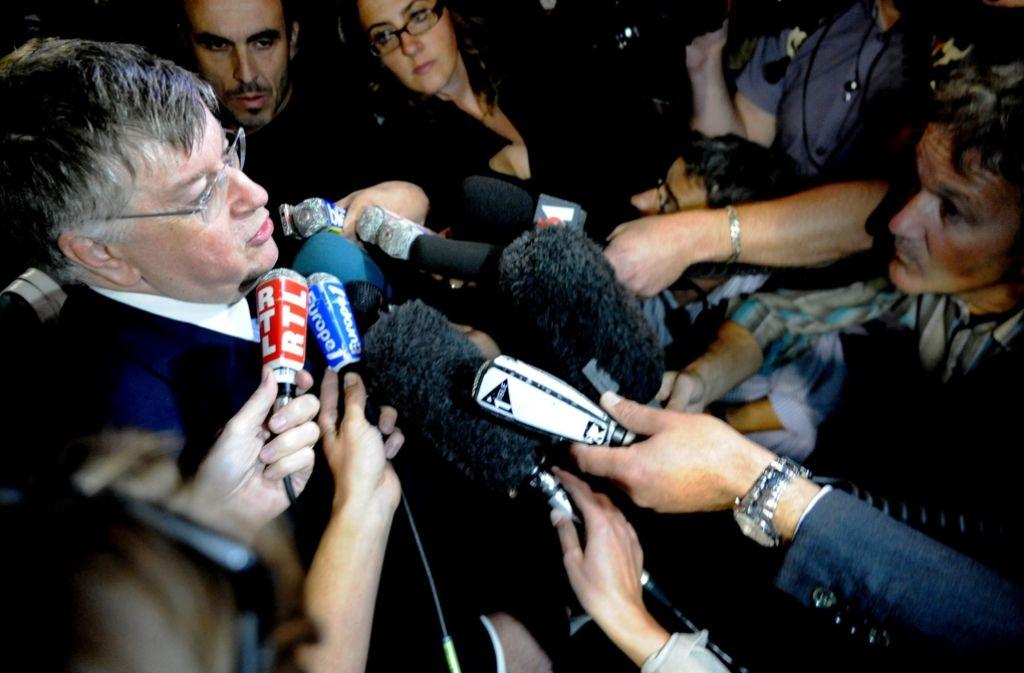 Didier Lombard gibt im Jahr 2009 nach einem neuerlichen Selbstmord eines Mitarbeiters bei France Télécom ein Statement vor der Presse ab. (Archivfoto) Foto: AFP