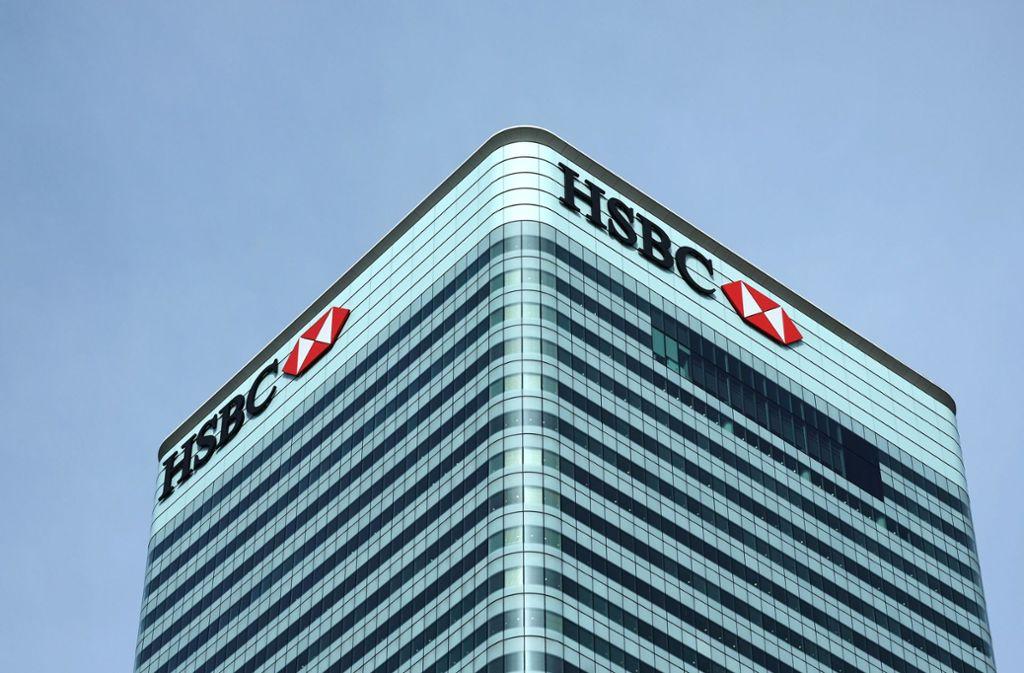 Bereits im vergangenen Jahr hatte die HSBC die Streichung zahlreicher Stellen angekündigt, nun kommen weitere hinzu. Foto: dpa/Jens Kalaene