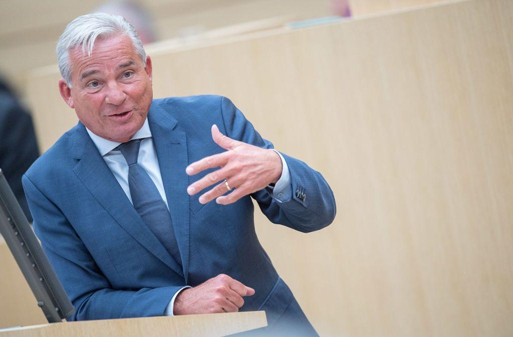 Fast 100 zusätzliche Mitarbeiter: Innenminister Thomas Strobl, CDU Foto: dpa