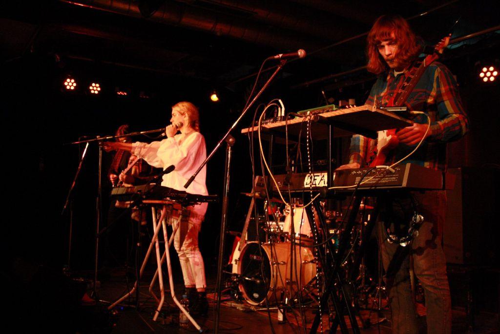 Die Band Fenster bei ihrem Auftritt im Kulturzentrum Merlin. Zwar hat die Band schon einmal im Merlin gespielt, doch ... Foto: Nadja Dilger