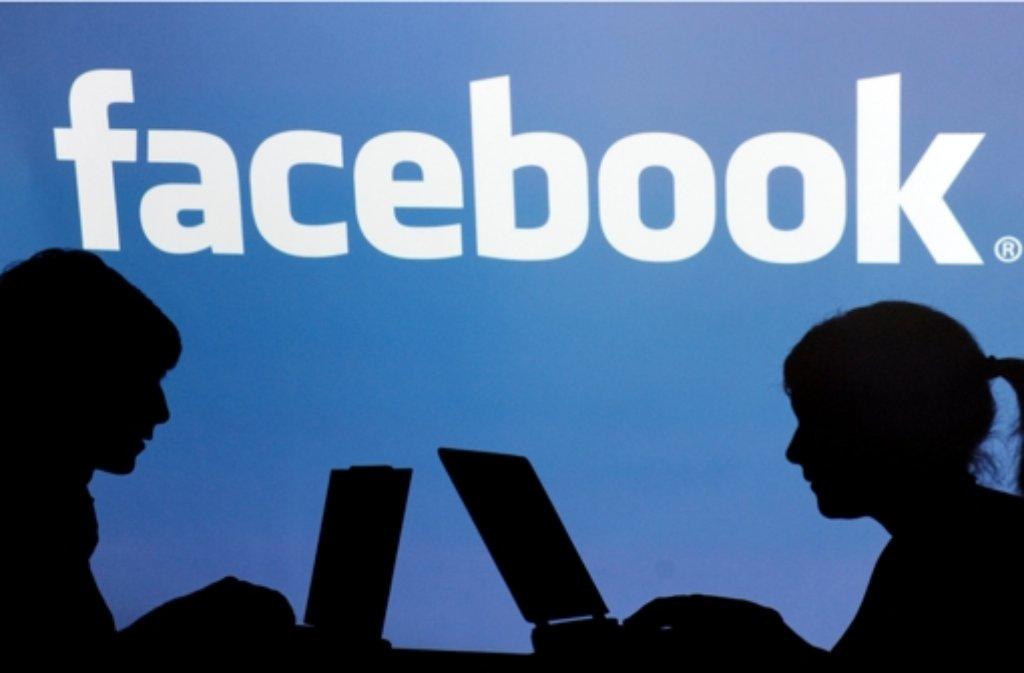 Im Kampf gegen Facebook erringt der Österreicher Max Schrems einen Etappensieg. Foto: dpa