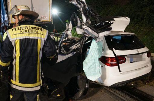 Autofahrer stirbt bei Kollision mit   Sattelzug
