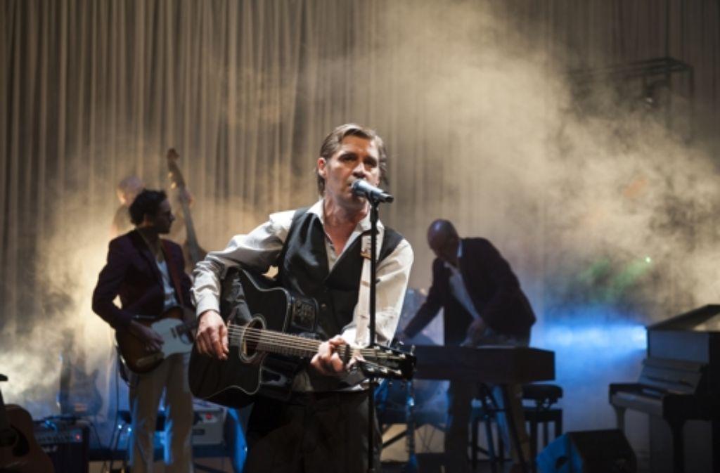 Ulf Deutscher als Johhny Bargeld mit Band Foto: Andreas Zauner