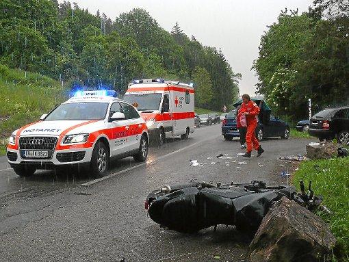 Motorradfahrer aus Stuttgart stirbt bei Sturz in Unterführung