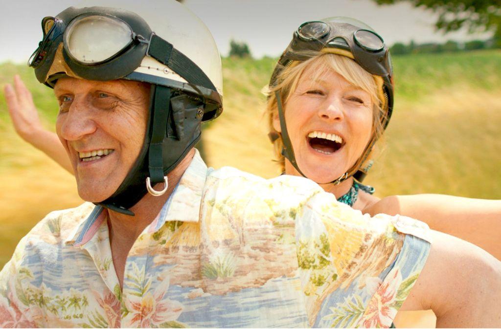 Flotte Rentner: Corinna Harfouch und Karl Kranzkowski Foto: Alamode