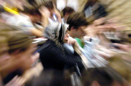 Kopftuch an der Ladenkasse umstritten