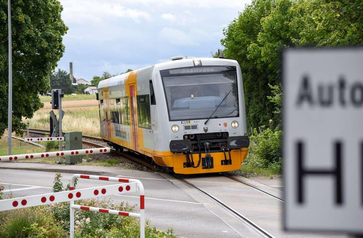 Am Wochenende fährt die Schönbuchbahn ab dem 1. Mai jede halbe Stunde Foto: Kreiszeitung Böblinger Bote/Thomas Bischof