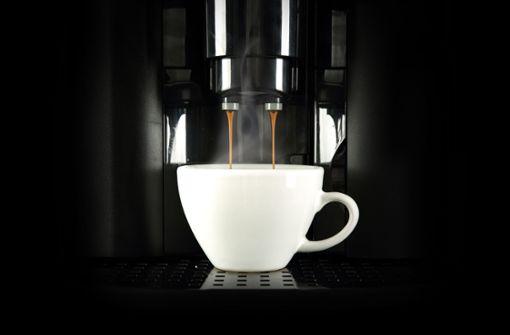 Unbekannte stehlen 180 Kaffeemaschinen aus Lkw