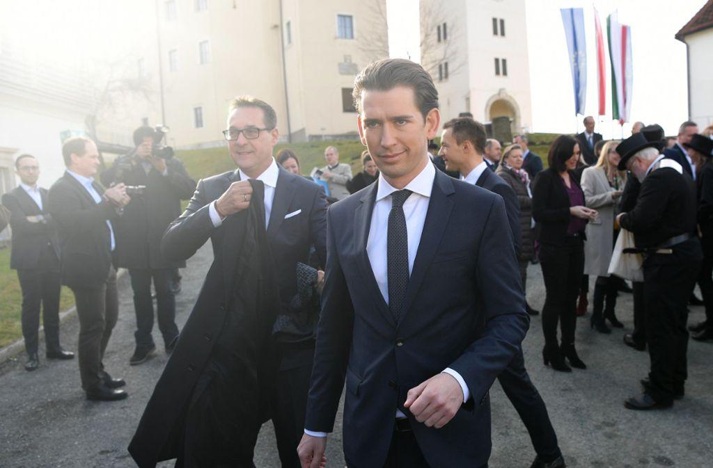 Geschiedene Leute: Heinz-Christian Strache (links) und Kanzler Sebastian Kurz (vorne), der jetzt Neuwahlen anstrebt. Foto: dpa