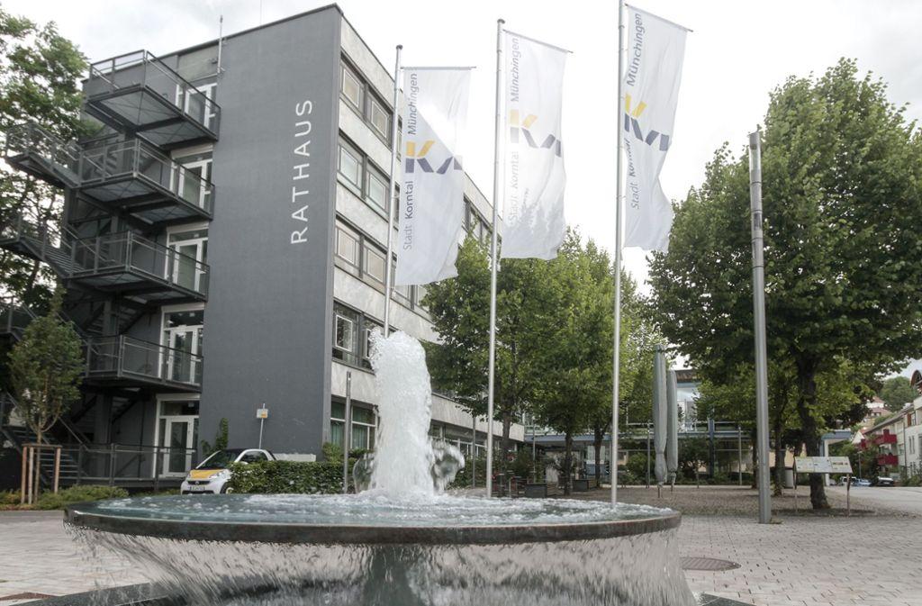 Das Rathaus in Korntal sinkt ab - irgendwann wird es neu gebaut werden müssen. Foto: factum/Bach
