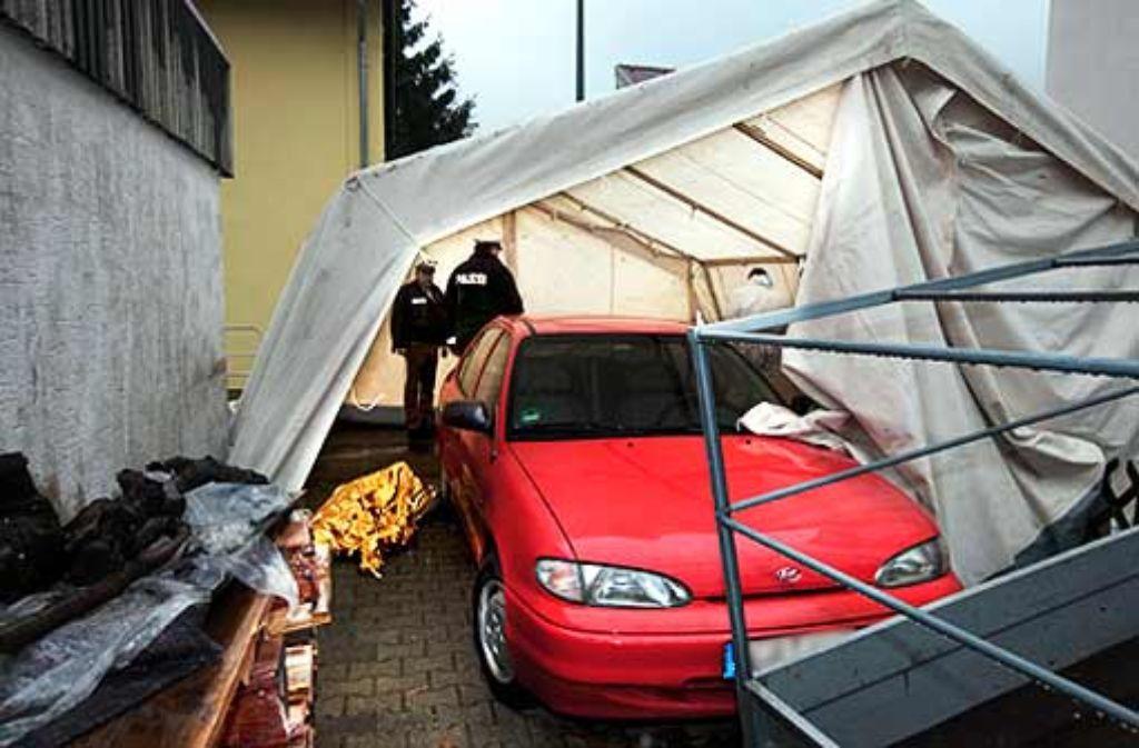 Den Leichnam seiner 32 Jahre alten Geliebten hat der nun Verurteilte in Süßen neben dem Wagen ihrer Schwester abgelegt. Foto: Horst Rudel