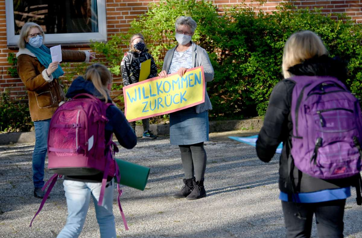 Kitas und Schulen öffnen wieder – damit steigen auch die Infektionszahlen. Foto: dpa/Carsten Rehder