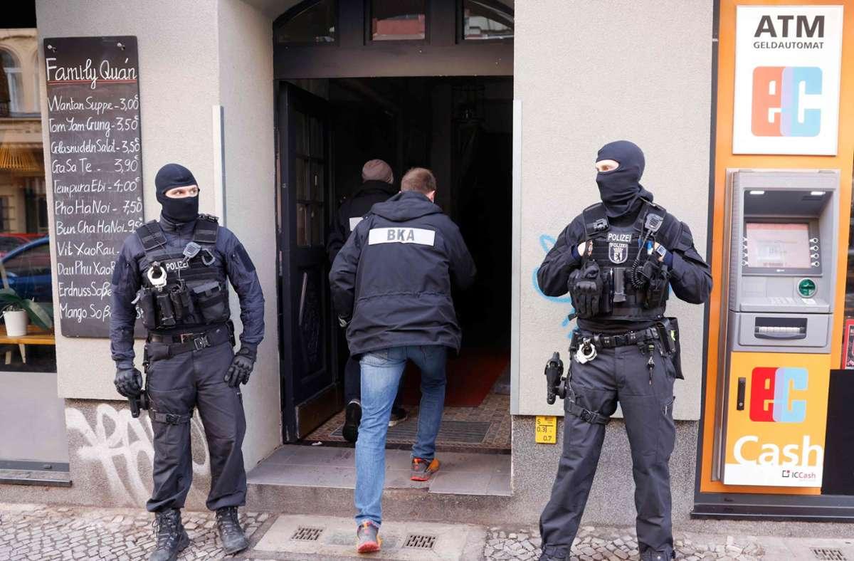 Mit einer Großrazzia in Berlin und Brandenburg ist die Polizei am Donnerstag gegen kriminelle Clan-Mitglieder vorgegangen. Foto: AFP/ODD ANDERSEN