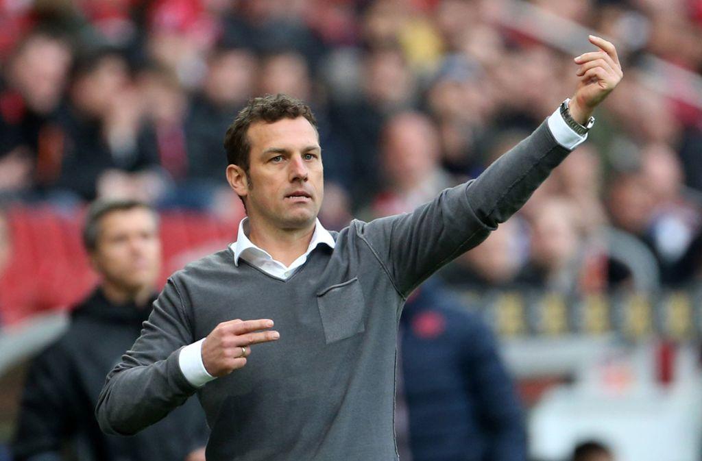 Sein Bundesliga-Debüt mit dem VfB wird für Weinzierl zur immensen Herausforderung. Foto: dpa
