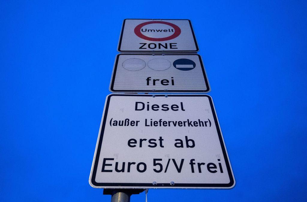 Mit dem Euro 5 darf man in Stuttgart fahren – noch. Foto: dpa
