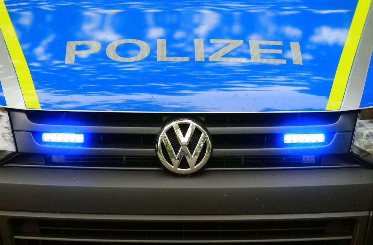 Die Polizei sucht Zeugen. (Symbolbild) Foto: dpa/Jens Wolf
