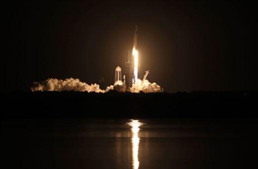 Vier Astronauten starten mit neuem SpaceX-Raumschiff ins All