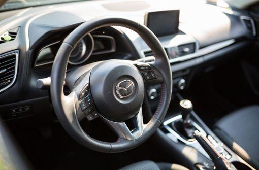 Unbekannte stehlen Mazda – Polizei sucht Zeugen