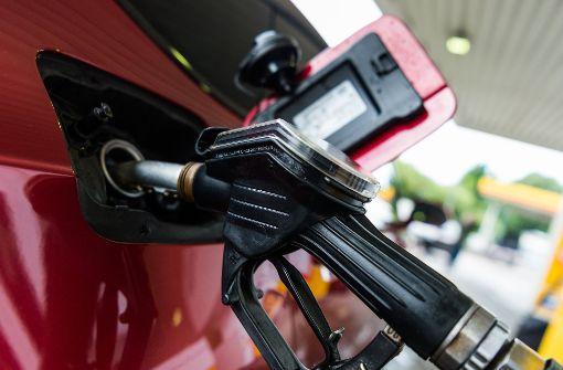 Ölpreis treibt Kosten für Sprit und Heizung