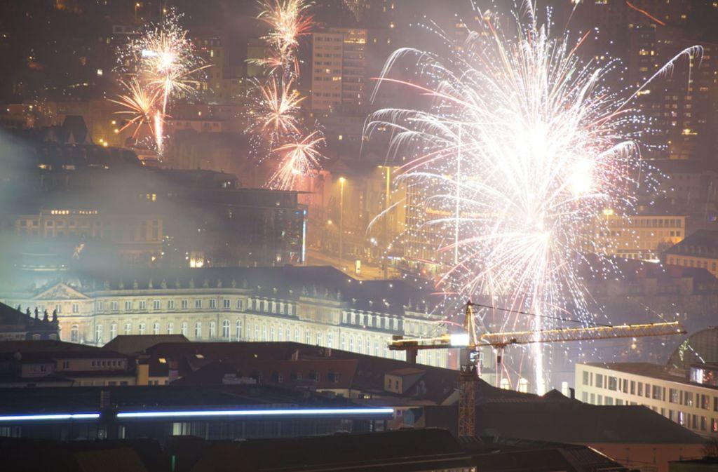 Eine Rauchglocke legte sich an Neujahr über Stuttgart und trieb die Feinstaubwerte nach oben. Foto: SDMG/SDMG / Boehmler