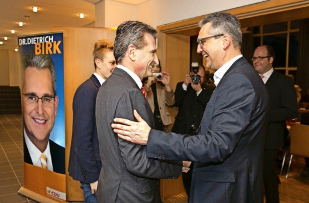 Günther Oettinger (links) ist von Brüssel nach Wangen gekommen, um Dietrich Birk vor 250 Gästen zu ehren. Foto: Horst Rudel