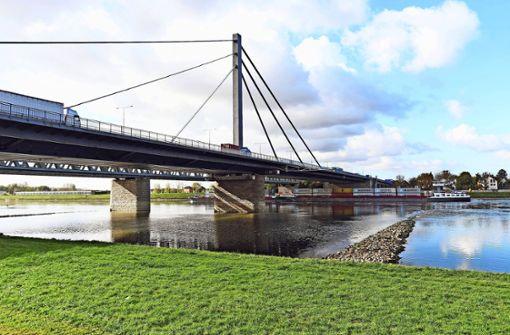 Sanierte Rheinbrücke ist wieder ganz befahrbar