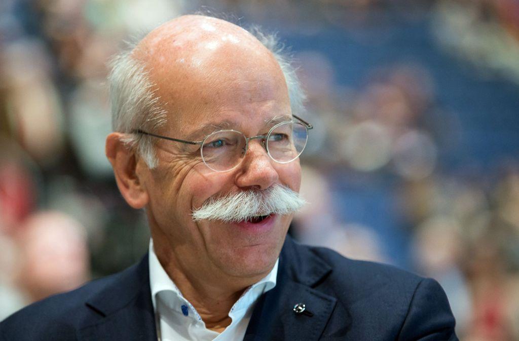 Daimler-Vorstandschef Dieter Zetsche bekommt für 2017 rund 8,6 Millionen Euro und damit eine Million mehr als für das Jahr davor. Foto: dpa